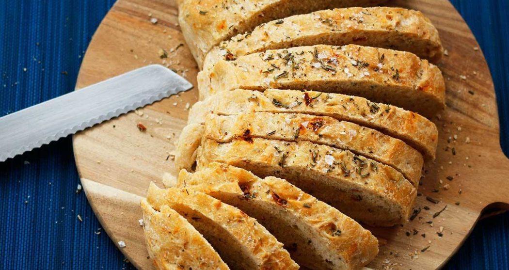 Feestelijk-Italiaans-olijfbrood