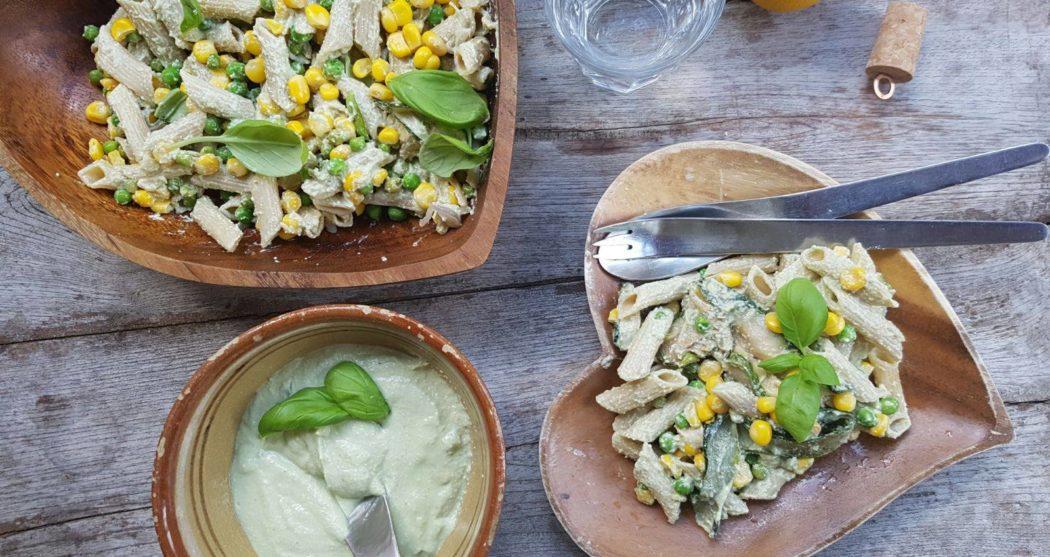 Populair Romige pastasalade met mais en doperwten - Wakker Dier @IO76