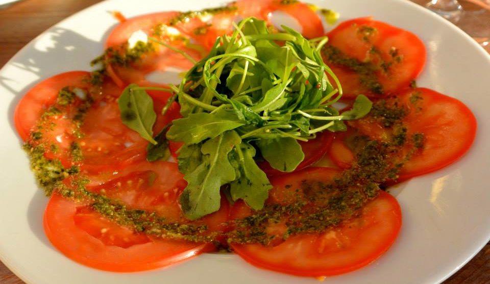 Tomatencarpaccio-met-salsa-verde