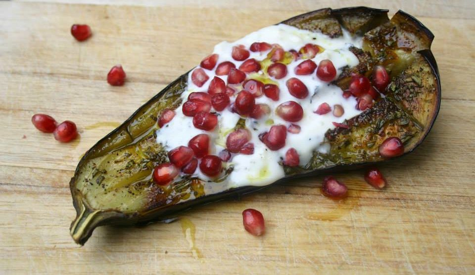 Geroosterde-aubergine-met-granaatappelpitjes