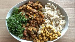 Curry-van-bloemkool-linzen-en-courgette-Wakker-Dier