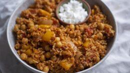 Tomatenrijst met kikkererwten – Wakker Dier