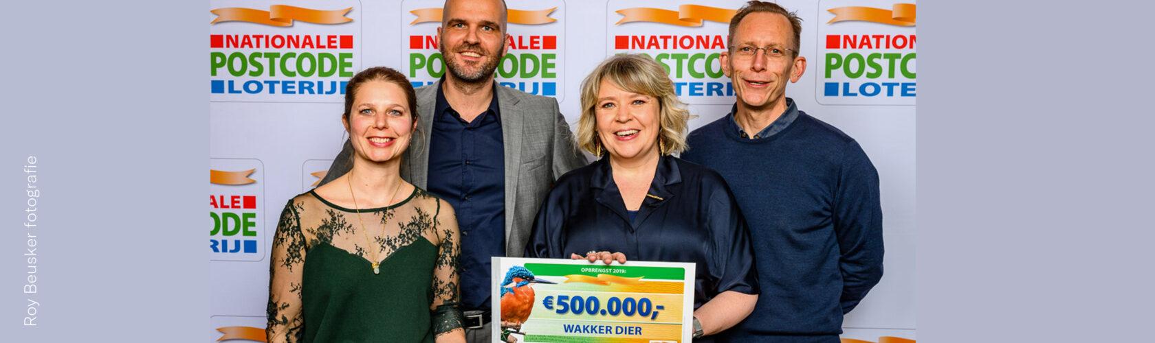 beeld cheque Postcode Loterij