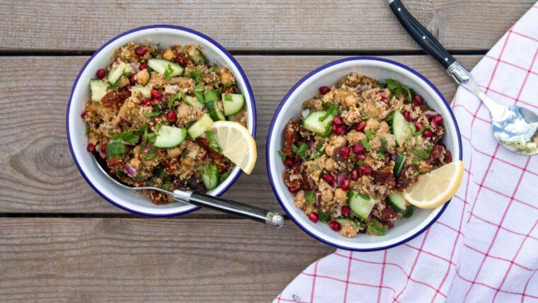 Couscous met plantaardige kip, granaatappel